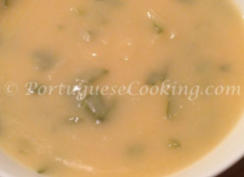 Creamy Turnip soup with White Kidney Beans (Sopa Cremosa de Nabo com Feijão Branco)